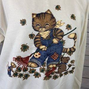 Vintage Sweatshirt Fall Autumn Cat Raking Leaves M